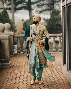 Royal Indian groom look in gold with mint sherwani.You can find Indian groom and more on our website.Royal Indian groom look in gold with mint sherwani. Sherwani For Men Wedding, Wedding Dresses Men Indian, Wedding Outfits For Groom, Sherwani Groom, Wedding Dress Men, Backless Wedding, Wedding Men, Wedding Groom, Sikh Wedding
