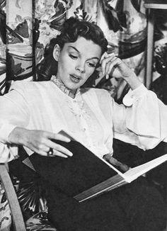 Judy Garland reading
