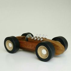 Handmade classic woodracer