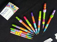 lapiceras coloridas de papel mache :)