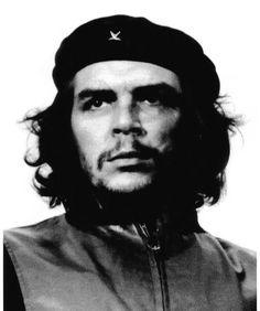 Che Guevara — Guerrilheiro Heroico (1960).Guevara participava de um memorial às vítimas de uma explosão de barco que matara 136 pessoas, quando foi fotografado por Alberto Korda, em 5 de março de 1960. Embora a autoria seja de Korda, a foto foi imortalizada pelo artista irlandês, Jim Fitzpatrick, que criou uma estampa em monotipia baseada na foto e a colocou em domínio público. Fotografia: Alberto Korda
