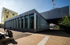 xFondazione-Prada-Milan-Rem-Koolhaas-Inexhibit-01.jpg.pagespeed.ic.LvdMMvuko0.jpg (870×558)