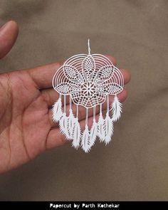 PaperCut  Papercraft del cazador de sueños  colgante de