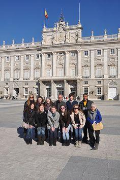 Enfrente del Palacio Real