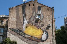 Freedom by Ukrainian artist Alex Maksiov. Where to find street art in Kiev. #Kyiv #Ukraine #StreetArt