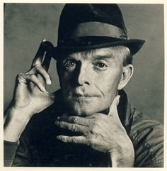 Truman Capote, New York, 1979 by Irving Penn/Gelatin silver print © Condé Nast Lee Radziwill, Irving Penn Portrait, New Jersey, Slim Keith, Image Now, Gelatin Silver Print, Thing 1, Man Ray, Vogue Magazine