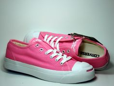 For the love of pink and shoes <3