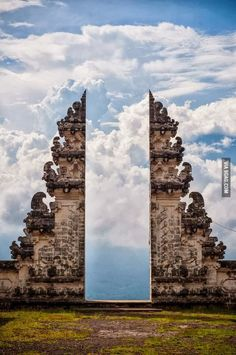 Pura Lempuyang Door, Bali, Indonesia. Also known as the Temple of 1000 steps. Can you make the climb?