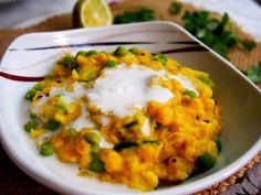Krémové, vyživující a chutě uspokojující jídlo s nádechem exotického kokosu, které vyloženě pohladí chuťové buňky i žaludek. To je Kootu - tradiční jihoindický pokrm. Mashed Potatoes, Cauliflower, Eggs, Vegetarian, Vegetables, Breakfast, Ethnic Recipes, Turmeric, Whipped Potatoes