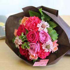 バラとカーネーションのキャンディピンクブーケ | 花・花束の通販|青山フラワーマーケット
