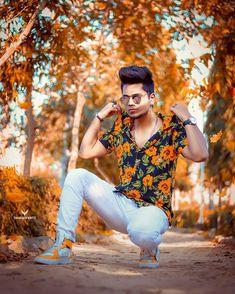 Photo Poses For Boy, Boy Photo Shoot, Boy Poses, Poses For Photos, Dslr Photography Poses, Man Photography, Blue Background Images, Studio Background Images, Mens Photoshoot Poses