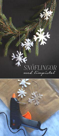 Julpyssel, snöflinga, limpistol, juldekoration, julgranspynt, ornament, gluegun, christmas diy, christmas craft, christmas tree @helenalyth.se