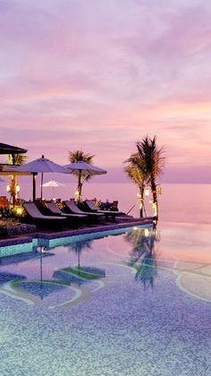 タイのカオラック、紫の夕日。