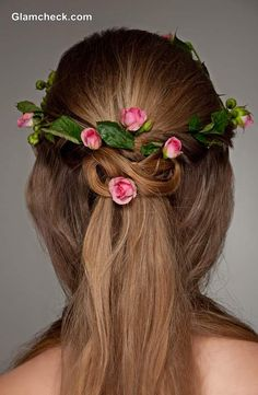 This gorgeous half up half down hairstyles offers surprise and delight from the back. Half up hair is woven into a Celtic knot studded with tiny flowers. The of the hair falls straight down, shiny and sleek. # Braids half up half down celtic knots Wedding Hair Clips, Wedding Hair Down, Wedding Hair Flowers, Flowers In Hair, Tiny Flowers, Down Hairstyles, Straight Hairstyles, Girl Hairstyles, Braided Hairstyles