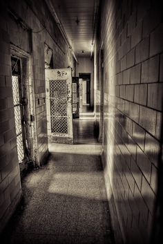 Trans-Allegheny Lunatic Asylum in Weston, West Virginia...Have visited this place also.