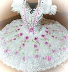 Ballet Pictures, Ballet Clothes, Ballet Tutu, Princess Aurora, Ballet Costumes, Pink Tone, Flower Applique, Dance Wear, Black And White