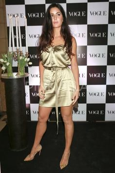 Golden girl Katrina Kaif turns on the heat at an event in the city! Most Beautiful Bollywood Actress, Indian Bollywood Actress, Bollywood Actress Hot Photos, Bollywood Girls, Bollywood Celebrities, Beautiful Indian Actress, Bollywood Fashion, Bollywood Pictures, Bollywood Stars