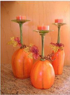 verres à pied retournés, peint et porte bougies
