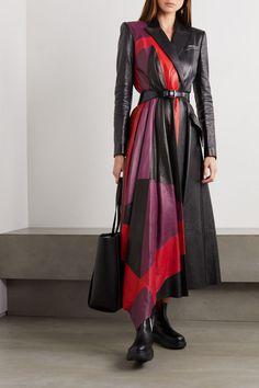 Sarah Burton, Cardiff, Gothic Fashion, Luxury Fashion, Womens Fashion, Fashion Beauty, Fashion 2020, Fashion News, Asymmetrical Coat
