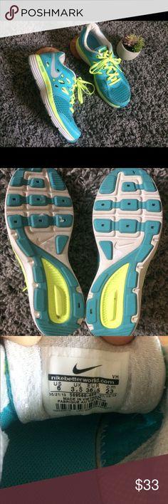 Nike Women s Dual Fusion Tennis Shoes Size 6 Blue cc2a87a51
