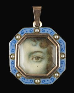 Rose gold octagonal pendant. Collection of Dr. and Mrs. David Skier. #lookoflove #eyeminiatures #loverseye