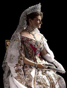 Alexandra Feodorovna (Alix of Hesse and by Rhine), Empress consort of Emperor Nicholas II, wearing the Romanov Pearl Drop Tiara, Russia (ca. Alexandra Feodorovna, Alexandra Romanov, Tsar Nicolas Ii, Tsar Nicholas, Royal Crowns, Royal Tiaras, House Of Romanov, Court Dresses, Royal Jewelry