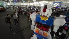 Um computador com 3,3 metros de altura - http://wp.clicrbs.com.br/vanessanunes/2013/02/04/um-computador-com-33-metros-de-altura/?topo=13,1,1,,,13