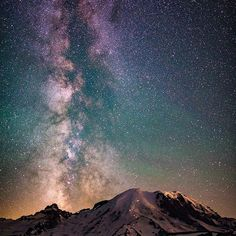 Killer nightscape! Be Visually Inspired!  by: @z lightphoto #artofvisuals #aov #bevisuallyinspired! Location: Mt Rainer —————————————————————— New preset packs added to the store ever Tuesday from amazing artists within the community! —————————————————————— AOV Academy is now live, head over to www.aovacademy.com to sign up today! —————————————————————— Artofvisuals.com