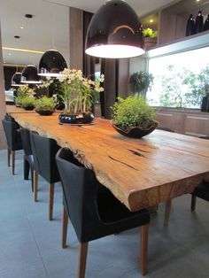 Great Ideas for Wood Table Projects Finding your place in wood furniture plan is such a great feeling. Reading more about this niche will help you enjoy a future in Wood Table Design, Dining Room Design, Room Interior, Interior Design, Sweet Home, Dinner Room, Wooden Tables, Dining Room Table, Home Decor
