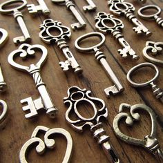 I love Skeleton Keys! Do people still make these?