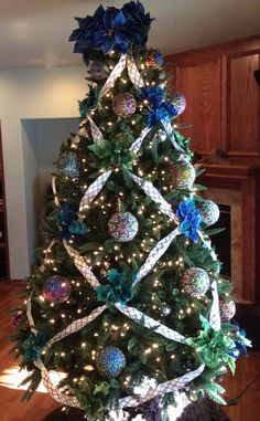 Opulent Ornaments - Christmas Tree
