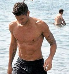 Olivier Giroud is hot hot hot!