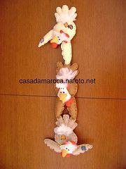 Galinhos (Casa da Maroca) Tags: galinha pano beb feltro patchwork decorao cozinha mbile galinho bonecodepano quartodecriana decoraoinfantil bonecocountry