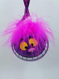 I love the Cheshire Cat - Making glitter ornaments. I love the Cheshire Cat - Homemade Ornaments, Homemade Christmas Gifts, Handmade Christmas, Disney Christmas Ornaments, Christmas Cats, Christmas Decorations, Xmas, Disney Diy, Glitter Ornaments