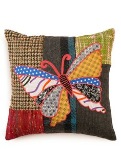 A Loja do Gato Preto | Capa de Almofada Borboleta Patch #alojadogatopreto Patch, Butterflies, Throw Pillows, Collection, Ideas, Butterfly, Mantle, Handmade Crafts, Stickers