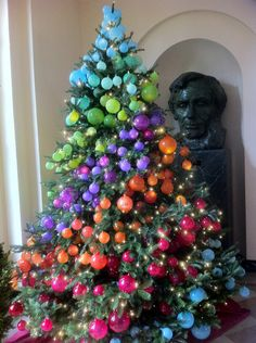 the white house christmas, christmas decorations, seasonal holiday decor, This is my favorite tree from the many that they had It would be very easy for us typical homeowners to do I love the way Abraham Lincoln is looking at it Unique Christmas Decorations, Beautiful Christmas Trees, Christmas Tree Themes, All Things Christmas, Christmas Holidays, Christmas Crafts, House Decorations, Holiday Decor, White House Christmas Tree