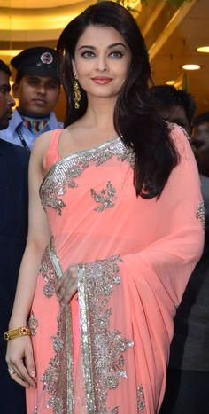 infp celebrity, pretty celebrities, celebrity makeup looks. wedding makeup looks. Aishwarya Rai Photo, Actress Aishwarya Rai, Aishwarya Rai Bachchan, Indian Celebrities, Bollywood Celebrities, Bollywood Fashion, Beautiful Bollywood Actress, Beautiful Indian Actress, Kajol Saree