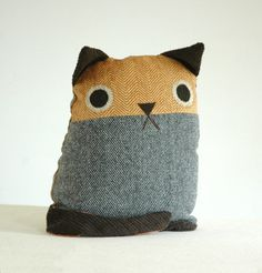 Cat Pillow. would snuggle this so hard haha
