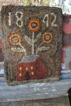 I hooked this little rug, I've hooked this before. It is a design by Susan Ha. Primitive Pillows, Primitive Crafts, Rug Hooking Patterns, Hand Hooked Rugs, Wool Art, Penny Rugs, Handmade Headbands, Wool Applique, Yarn Crafts
