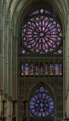 Beautiful stained glass - Nave of Reims Cathedral, Reims, France Stained Glass Church, Stained Glass Art, Stained Glass Windows, Mosaic Glass, Gothic Architecture, Beautiful Architecture, Beautiful Buildings, Ancient Architecture, Reims Cathedral
