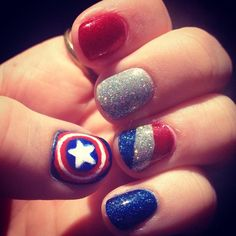 Captain America: The Winter Solider nails! - Visit to grab an amazing super hero shirt now on sale! Marvel Nails, Avengers Nails, Batman Nails, Cute Nail Art, Cute Nails, Pretty Nails, Captain America Nails, Captin America, Holiday Nails