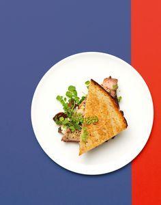 Steak au Roquefort ist ein Klassiker. Das Paar macht sich auch in einem Sandwich gut, knusprige hausgemachte Pommes frites dazu wären das Tüpfli auf dem i – sagt sogar die Wissenschaft.
