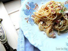 Taste Eat: Szybki makaron razowy z suszonymi pomidorami i twa...