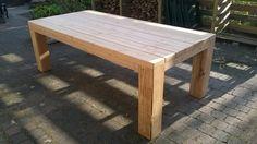 Een stoere tafel van Douglas hout