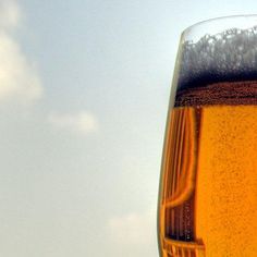 10 Healthier Beers (& How to Choose the Right One)