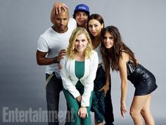 Ricky Whittle, Eliza Taylor, Bob Morley, Lindsey Morgan, Marie Avgeropoulos, 'The 100' #EWComicCon  Image Credit: Michael Muller for EW