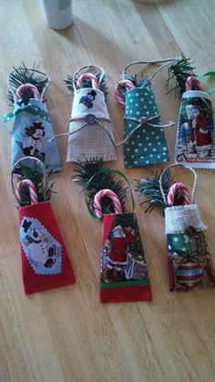 Little Christmas Pockets made from toilet paper rolls.
