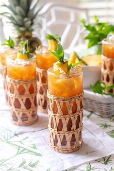 Refreshing Iced Pineapple Sweet Tea | Pizzazzerie Refreshing Drinks, Summer Drinks, Summer Food, How To Make Tea, Food To Make, Sweet Tea Recipes, Black Tea Bags, Sugared Pecans, Make Simple Syrup