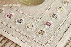 Hardanger Embroidery, Floral Embroidery, Embroidery Stitches, Hand Embroidery, Drawn Thread, Thread Work, Bargello, Diy And Crafts, Arts And Crafts