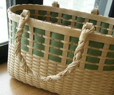 バッグ : Blog Kamihimo Japan Crafts, Paper Basket, Storage Baskets, Basket Weaving, Wood, Design, Crafting, Woodwind Instrument, Timber Wood